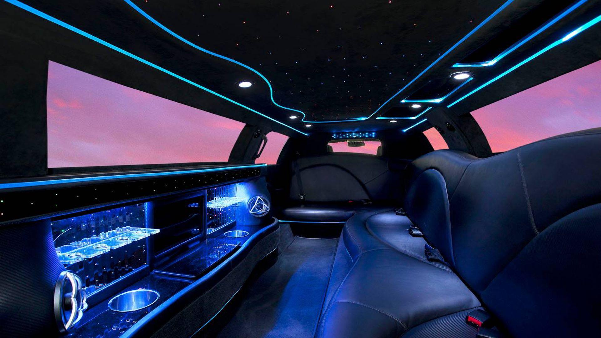 11 Seater Stretch Caprice Interior